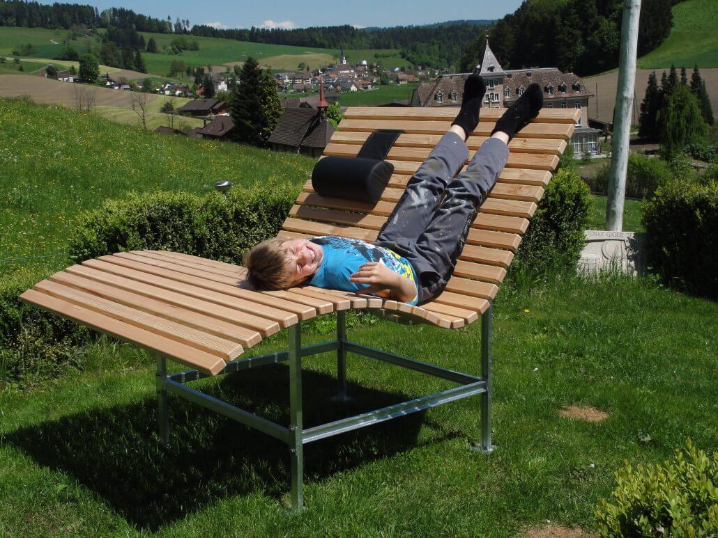 gartenliege giger natur design. Black Bedroom Furniture Sets. Home Design Ideas