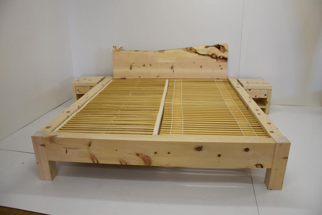 arvenholz betten und m bel aus massivholz. Black Bedroom Furniture Sets. Home Design Ideas