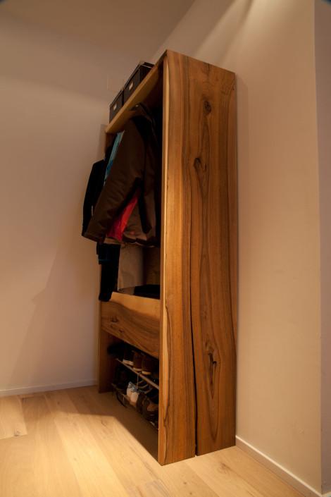 nussholz und walnussholz giger natur design. Black Bedroom Furniture Sets. Home Design Ideas